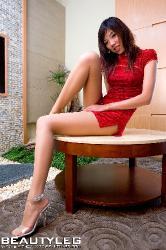 Длинные ноги голые азиатки 56