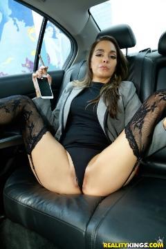 Bobbi Rydell - Spread it sexy (2016) FullHD 1080p