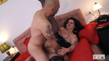Bambolona Petra - Brunette Italian BBW takes big dick into her ass, ends up with cum in mouth (2016) FullHD 1080p