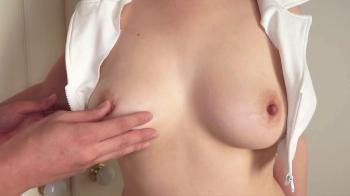 04.25.2016 - Awesome Awesome Asian brunette giving a sweet handjob Video Online