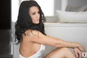 2013-04-15 - Jessie Shannon Sexy Living
