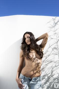 2013-10-15 Raquel Pomplun Aquatic Enticement