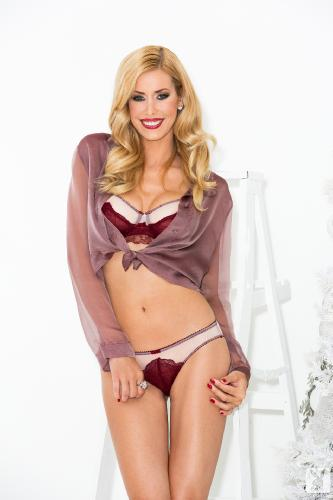 2013-11-30 Kennedy Summers In Holiday Honey